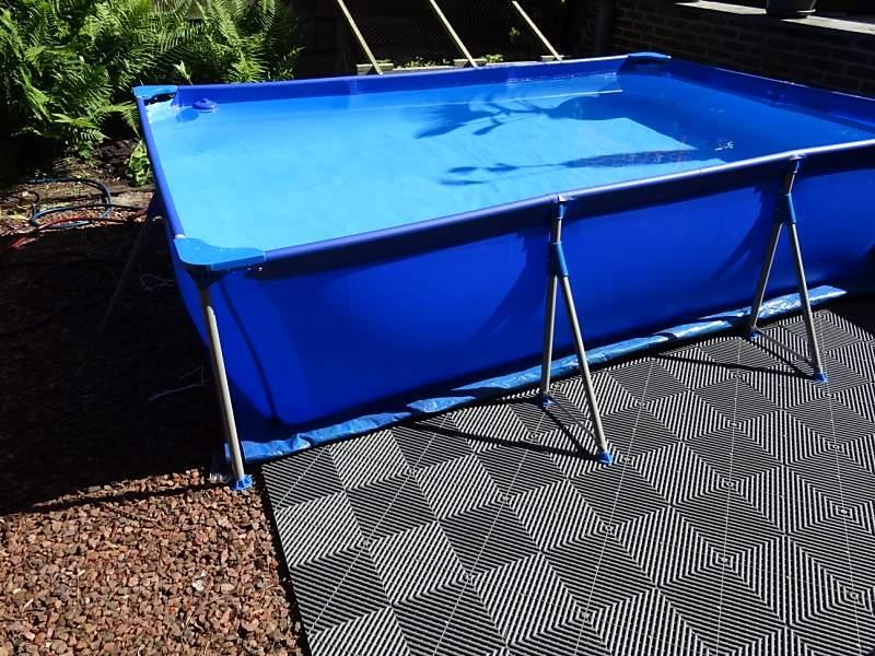 Swissdeck vloertegels voor een mooie vloer for Ondervloer zwembad